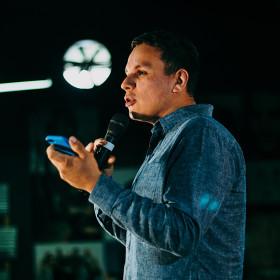 Public Speaking & Pitching